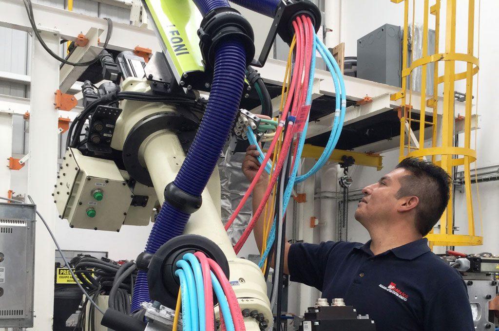 Vestido y optimización de robots para soldadura
